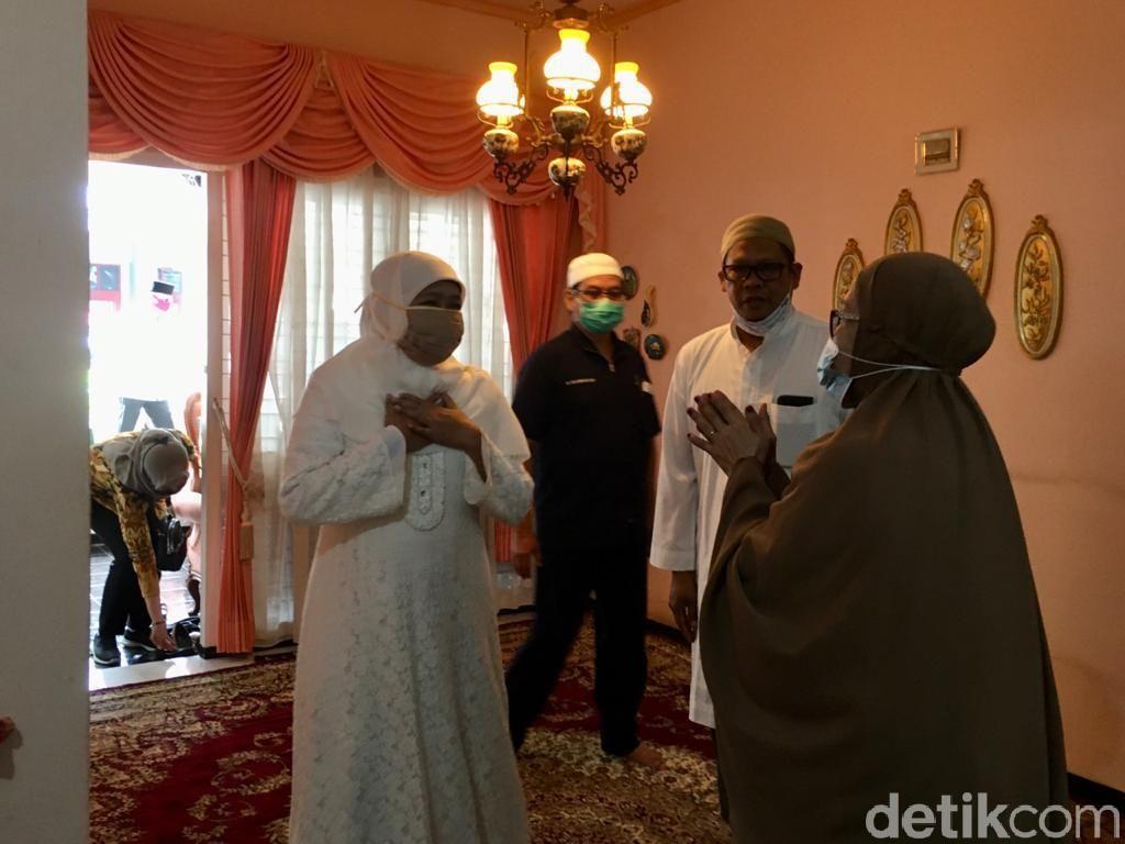 Sejumlah Pejabat Datang ke Rumah Duka Ibunda La Nyalla Mattalitti