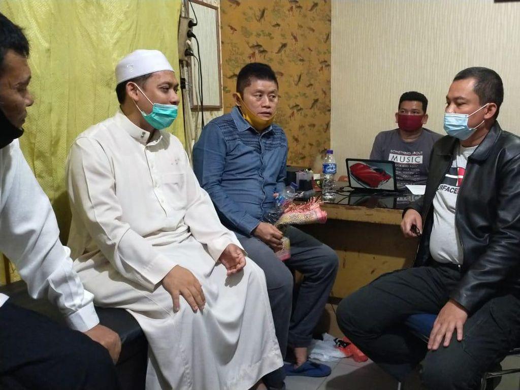 Polisi: Pelaku Penusukan Imam di Pekanbaru ke Masjid untuk Dirukiah
