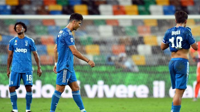 UDINE, ITALY - JULY 23:  Cristiano Ronaldo and Paulo Dybala of Juventus reacts after the Serie A match between Udinese Calcio and Juventus at Stadio Friuli on July 23, 2020 in Udine, Italy. (Photo by Alessandro Sabattini/Getty Images)