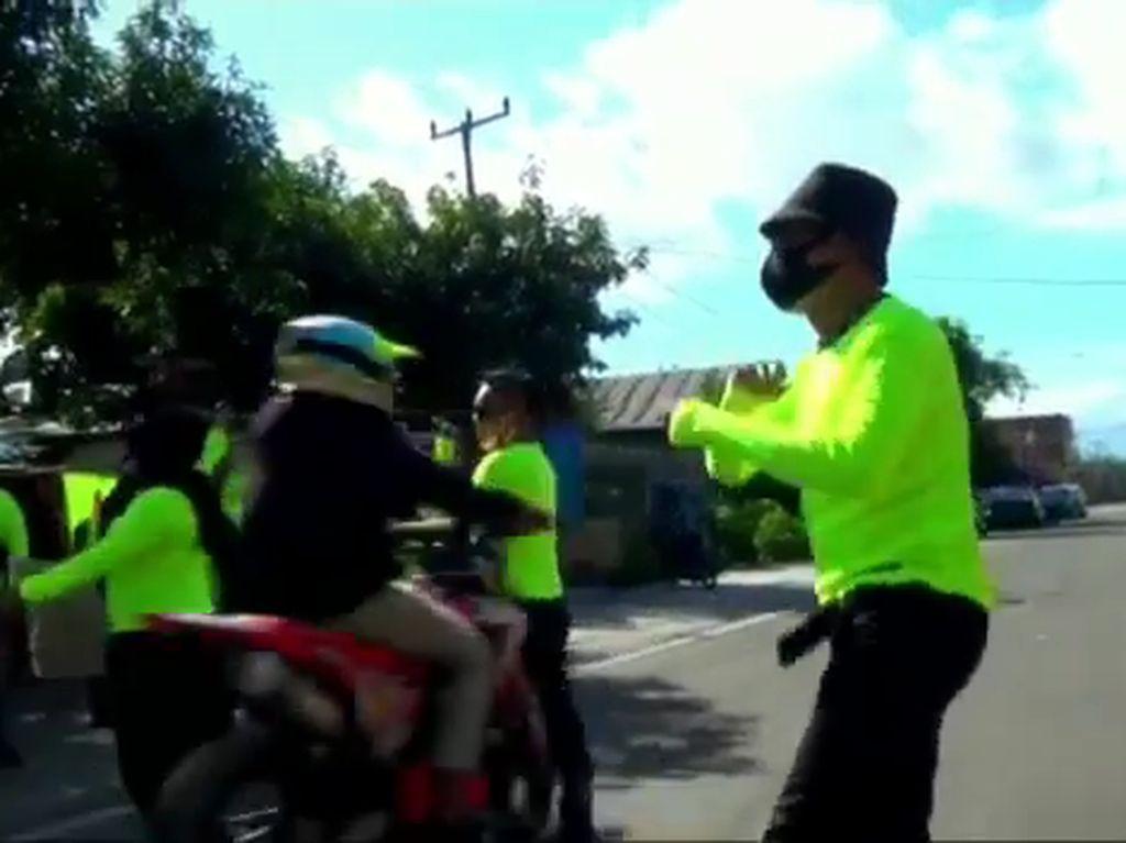 Joget di Jalan Saat Galang Bantuan Masamba, Pria di Pinrang Ditabrak Pemotor