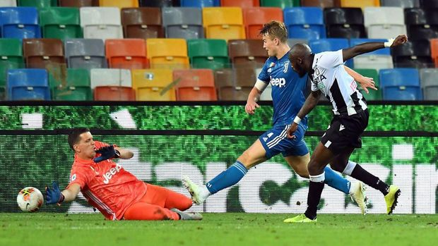 UDINE, ITALY - JULY 23:  Seko Fofana of Udinese Calcio scores his team's second goal during the Serie A match between Udinese Calcio and Juventus at Stadio Friuli on July 23, 2020 in Udine, Italy. (Photo by Alessandro Sabattini/Getty Images)