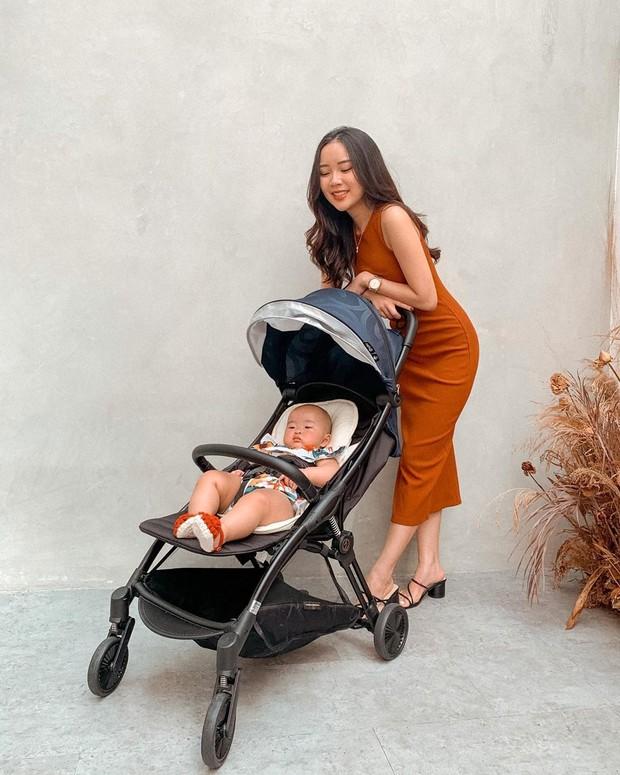 jalan jalan dulu pake strollel bersama baby Kanaya