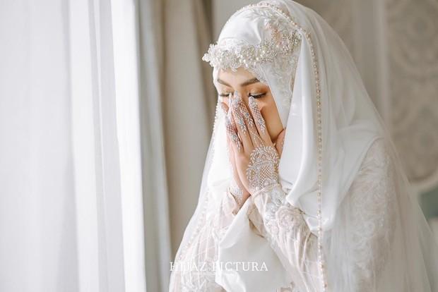 Setelah proses khitbah atau lamaran, kedua pasangan taaruf mempersiapkan diri untuk menuju akad nikah
