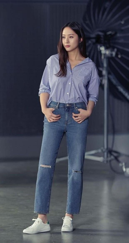Jeans dan Kemeja Ala Krystal