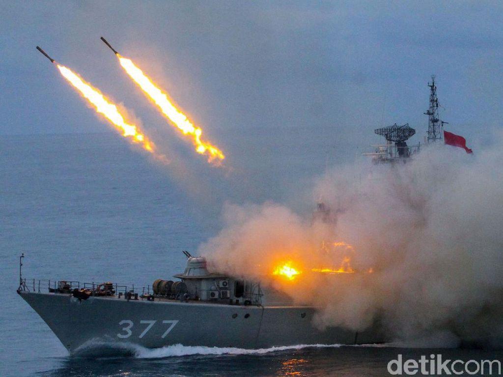 TNI AL Unjuk Kekuatan dalam Latihan Perang di Kepulauan Riau