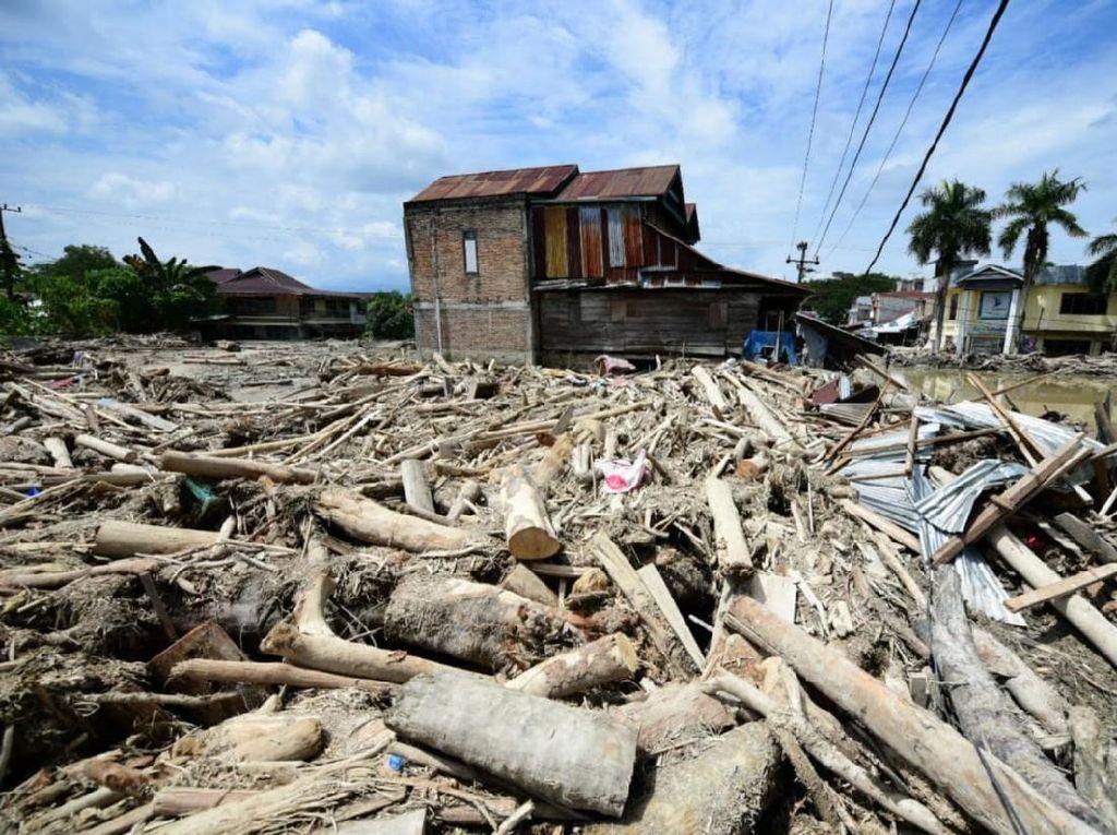 Bupati Lutra Harap Dana Tunggu Hunian untuk Korban Banjir Segera Cair