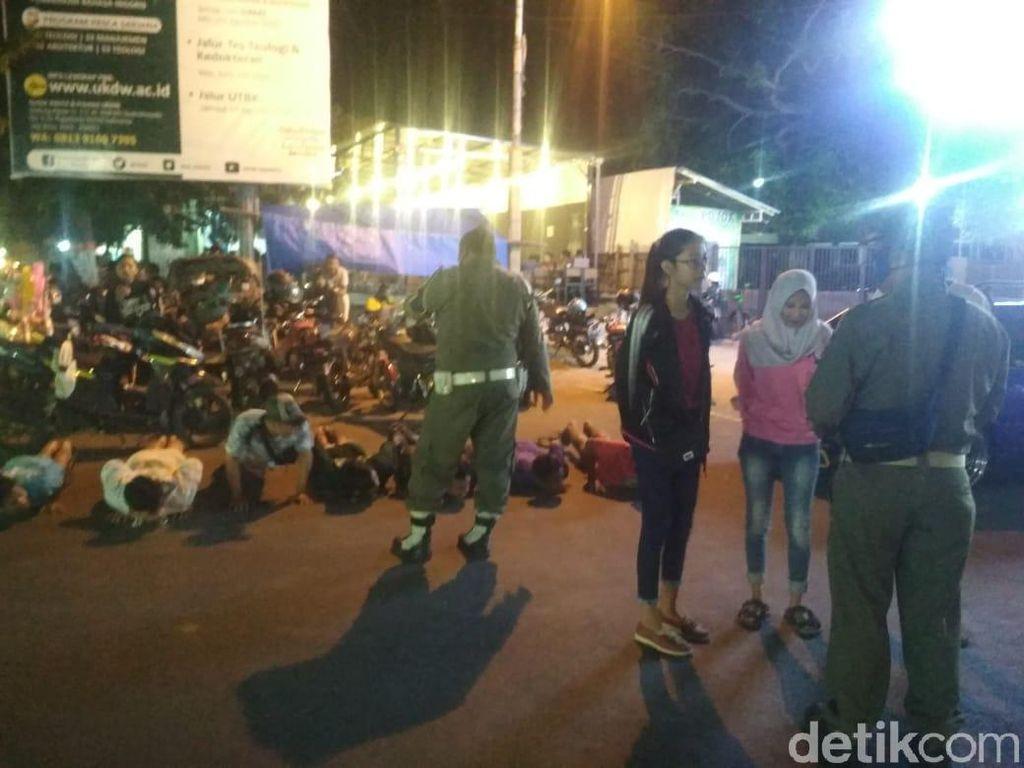 Dirazia, Banyak Warga Nongkrong-Pemotor Tak Bermasker di Rembang