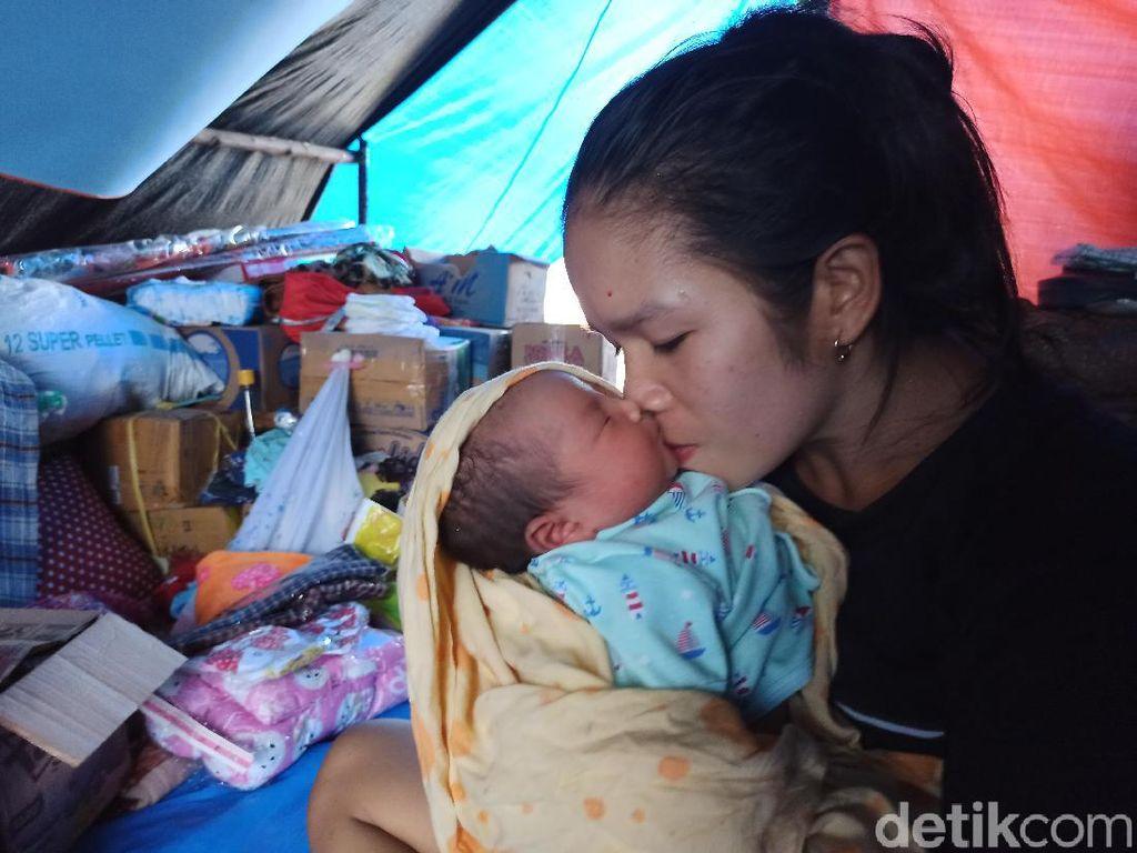 Kisah Ibu Korban Banjir Masamba Luwu Utara Melahirkan Saat Pengungsian