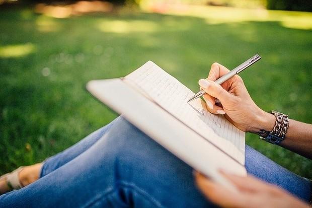 Menulis Meningkatkan Kecerdasan Intelektual/ Foto: Pixabay.com