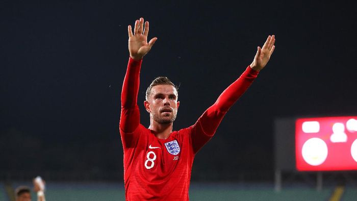 SOFIA, BULGARIA - OCTOBER 14: Jordan Henderson of England acknowledges the fans during the UEFA Euro 2020 qualifier between Bulgaria and England on October 14, 2019 in Sofia, Bulgaria. (Photo by Catherine Ivill/Getty Images)