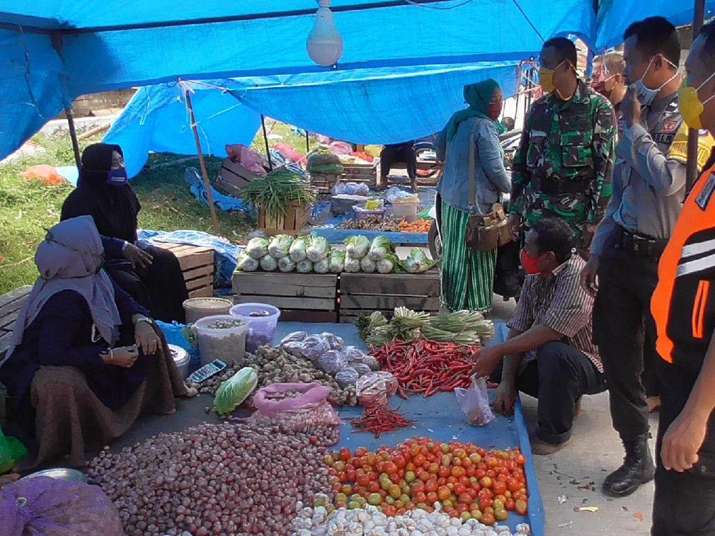 Usai Ada Pedagang Positif Corona, Tim Satgas Sisir Pasar di Polman