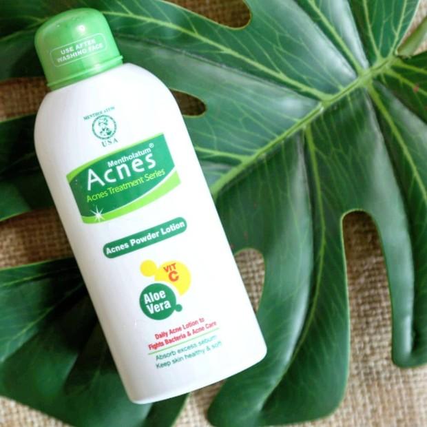 Produk Acnes yang memberikan efek mengurangi masalah jerawat membandel pada kulit wajah.