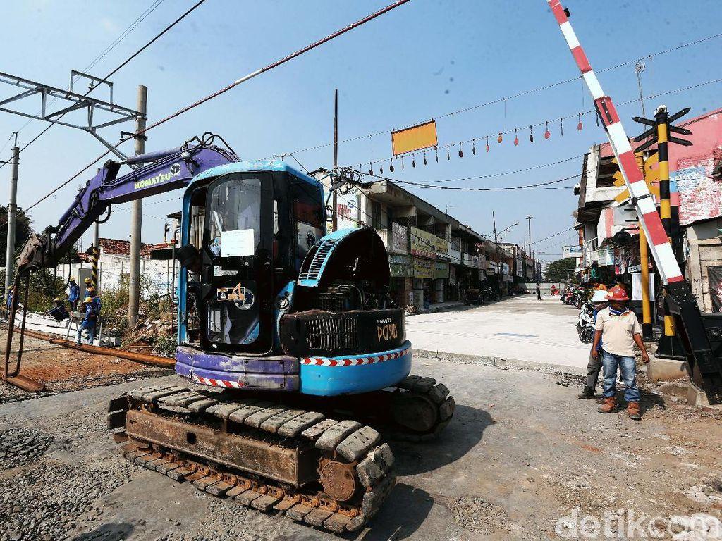 Ada Perbaikan, Jalan KH Agus Salim Bekasi Ditutup