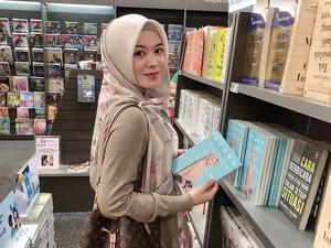 Ajak ke Masjid Seoul, Ayana Moon Tanyakan Ibunda Soal Niat Jadi Mualaf