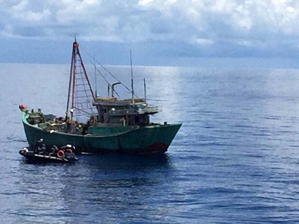 Dear, Pak Jokowi! Ada Tiga WNI di Kapal Asing Minta Pertolongan