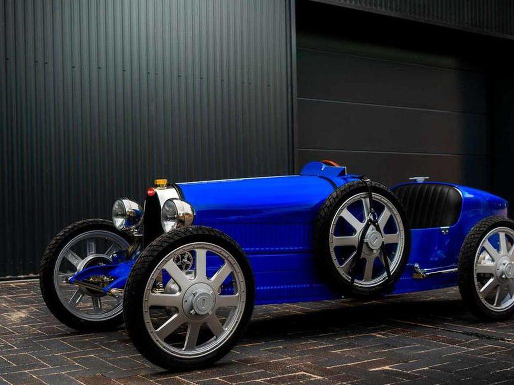 Mobil Listrik Bugatti Berukuran Mungil