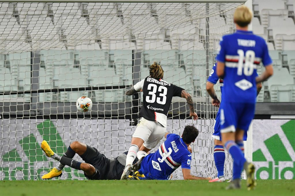 TURIN, ITALY - JULY 26:  Federico Bernardeschi (C) of Juventus scores a goal during the Serie A match between Juventus and  UC Sampdoria at Allianz Stadium on July 26, 2020 in Turin, Italy.  (Photo by Valerio Pennicino/Getty Images)