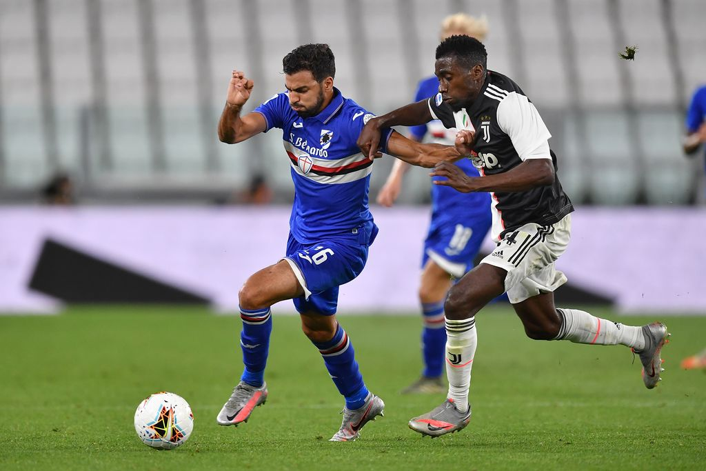 TURIN, ITALY - JULY 26:  Blaise Matuidi (R) of Juventus competes with Mehdi Leris of UC Sampdoria during the Serie A match between Juventus and  UC Sampdoria at Allianz Stadium on July 26, 2020 in Turin, Italy.  (Photo by Valerio Pennicino/Getty Images)