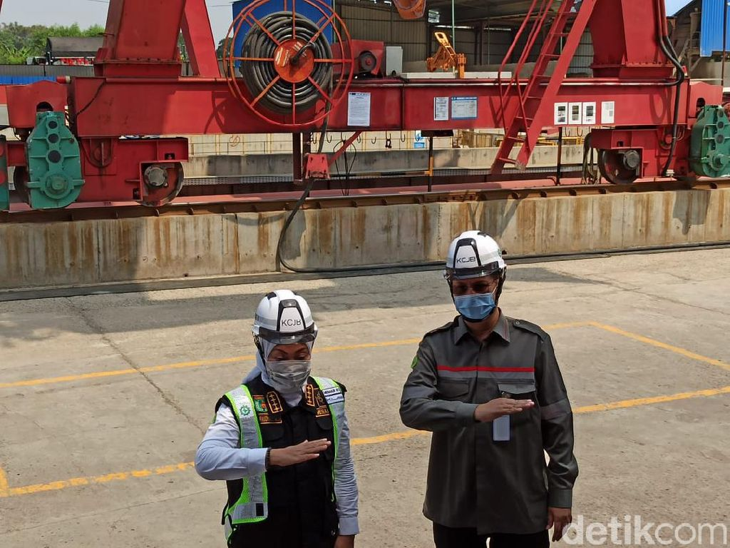 Menaker Sidak Proyek Kereta Cepat JKT-BDG, Cek TKA China
