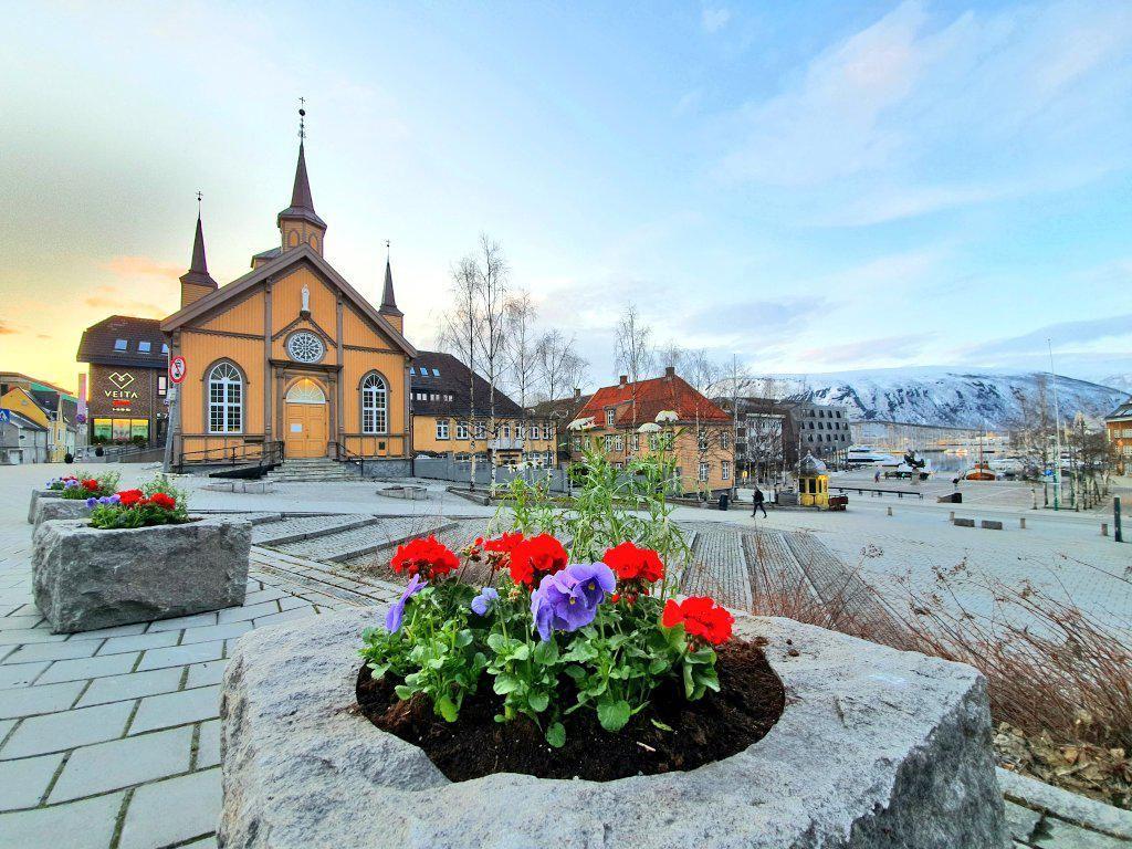 Norwegia Sungguh-sungguh Membuat Pejalan Kaki Jadi Raja