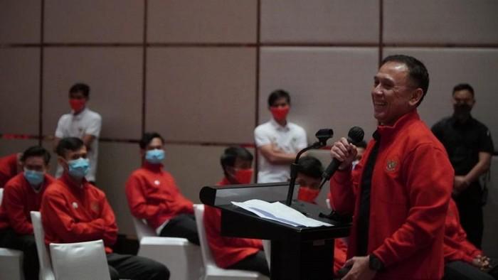 Ketum PSSI, Mochamad Iriawan, mengunjungi pemain Timnas Indonesia.