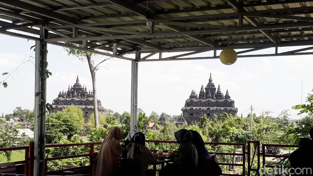 Foto: 3 Tempat Ngopi di Yogya dengan Pemandangan Candi