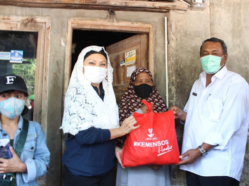 Istri Mensos Puji Penanganan Warga Terdampak COVID-19 di Serang