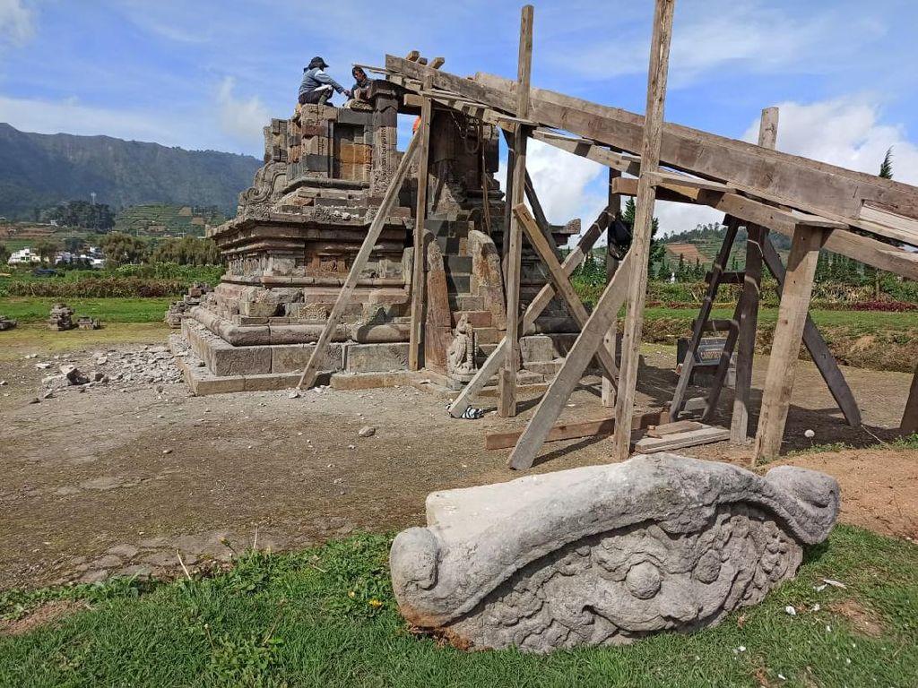 Ambles Akibat Tanah Labil, Candi Setiaki di Dieng Kini Dipugar