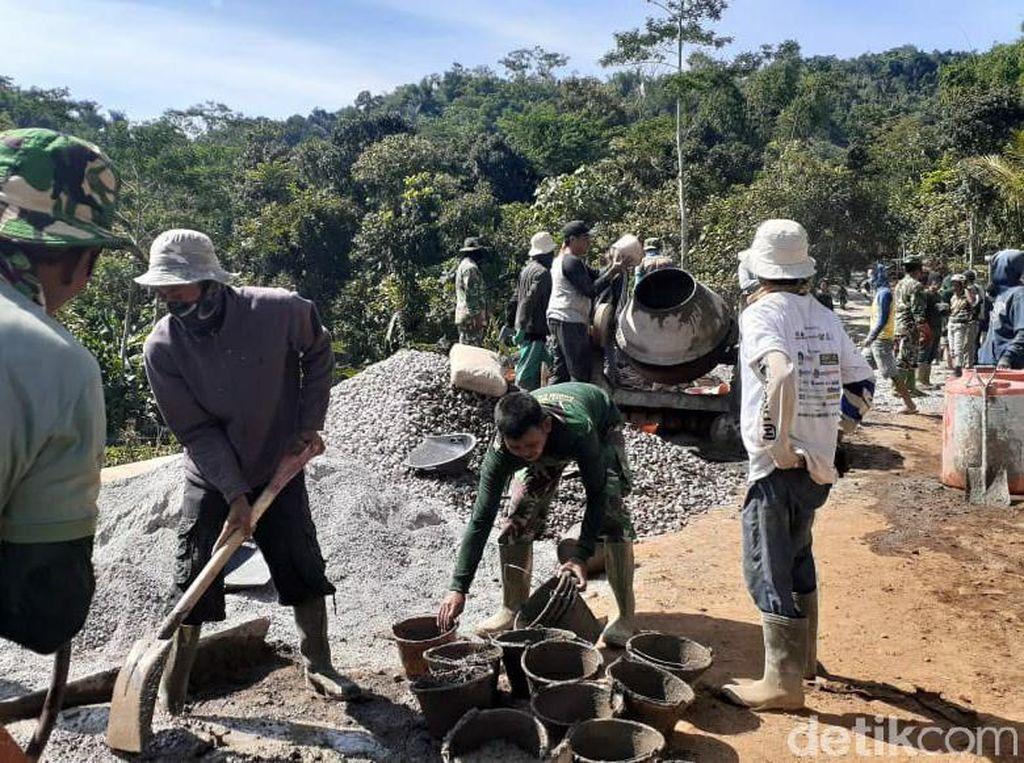 50 Tahun Eksis, Jalan Garekgok di Garut Akhirnya Diperbaiki