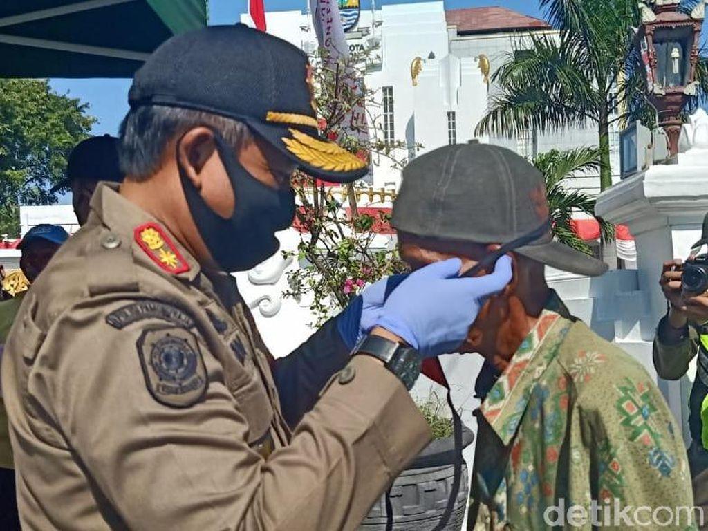Pemkot Cirebon Belum Terapkan Denda ke Warga Tak Bermasker