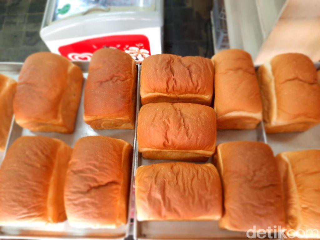 Empuk Harum Roti Kuno di Toko Djoen Lama yang Berusia 85 Tahun