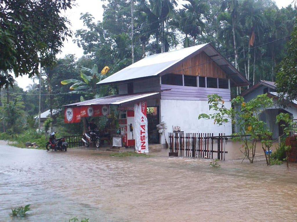 Banjir di Aceh Jaya, Ribuan Warga Mengungsi