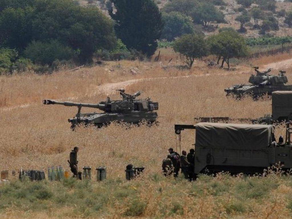 Video Tank-tank Israel Bersiaga Penuh di Perbatasan dengan Libanon