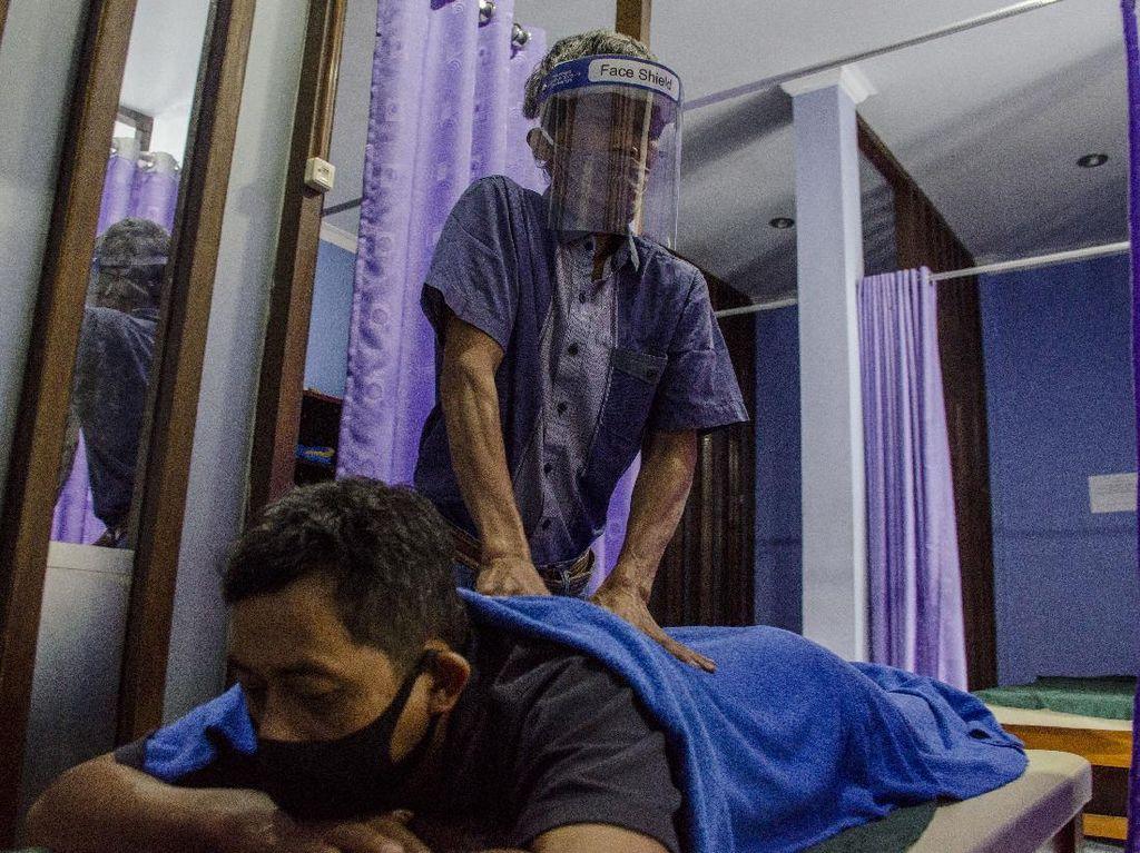 Panti Pijat Tunanetra Ini Terapkan Protokol Kesehatan