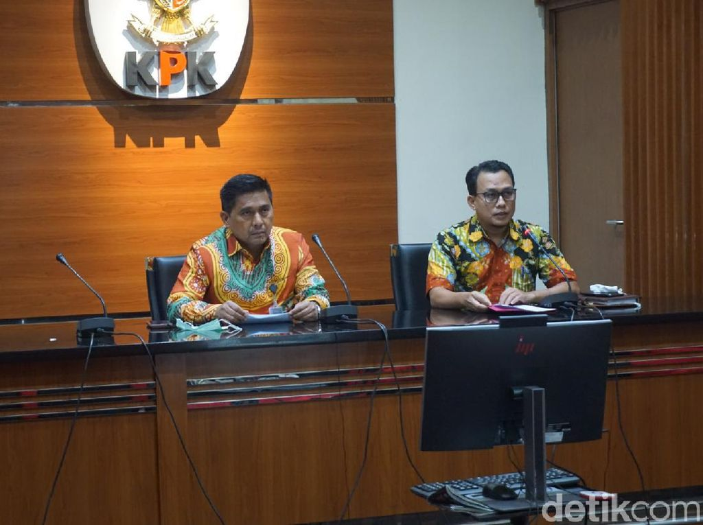 KPK Tahan 2 Eks Anggota DPRD Sumut Tersangka Suap Gatot Pujo