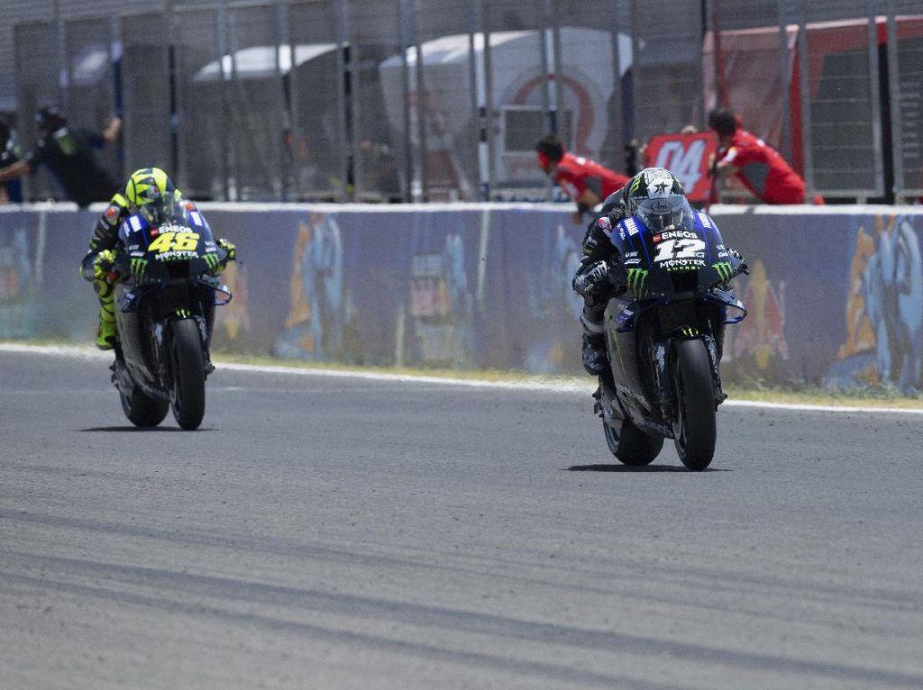 MotoGP Andalusia: Vinales Megap-megap Saat di Belakang Rossi