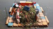 Perahu Pengangkut Sampah di BKB Efektif Bersihkan Lingkungan