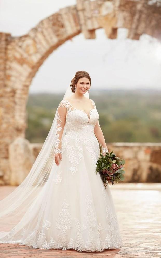 Koleksi foto wedding dress buat pengantin bertubuh plus size dengan model long sleeve yang cantik.