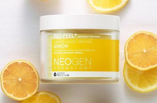 salah satu skincare untuk mengatasi bekas jerawat adalah Neogen Bio-Peel Gauze Peeling Lemon