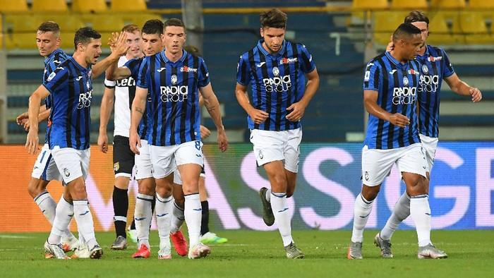 PARMA, ITALY - JULY 28:  Ruslan Malinovskyi of Atalanta BC celebrates after scoring the 1-1 goal during the Serie A match between Parma Calcio and Atalanta BC at Stadio Ennio Tardini on July 28, 2020 in Parma, Italy. (Photo by Alessandro Sabattini/Getty Images)
