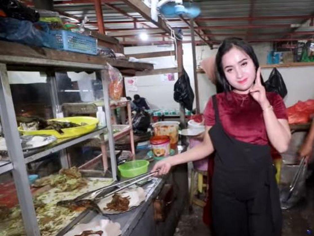Pemilik Bumbu Desa Meninggal hingga Penjual Begor Cantik yang Jualannya Laris