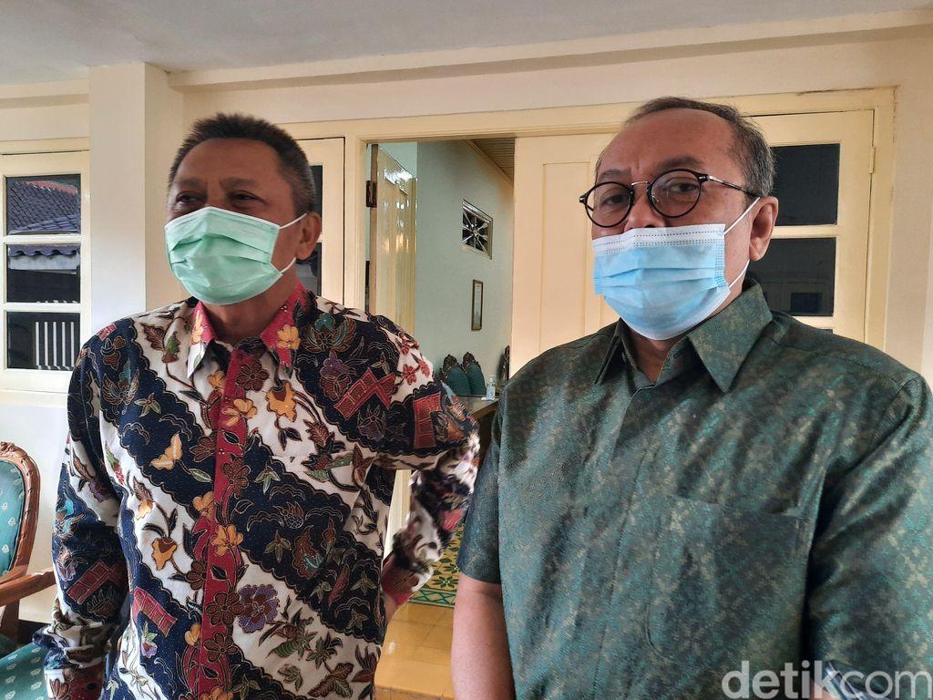 Dirut PT LIB Akhmad Hadian Lukita (kanan) dan Direktur Operasional PT LIB Sudjarno ditemui di kantor Sekda DIY (Jauh Hari Wawan S/detikcom)