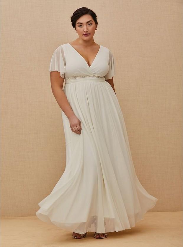 Koleksi foto model busana pengantin 'Empire Waist Wedding Dresses' buat yang memiliki tubuh plus size.
