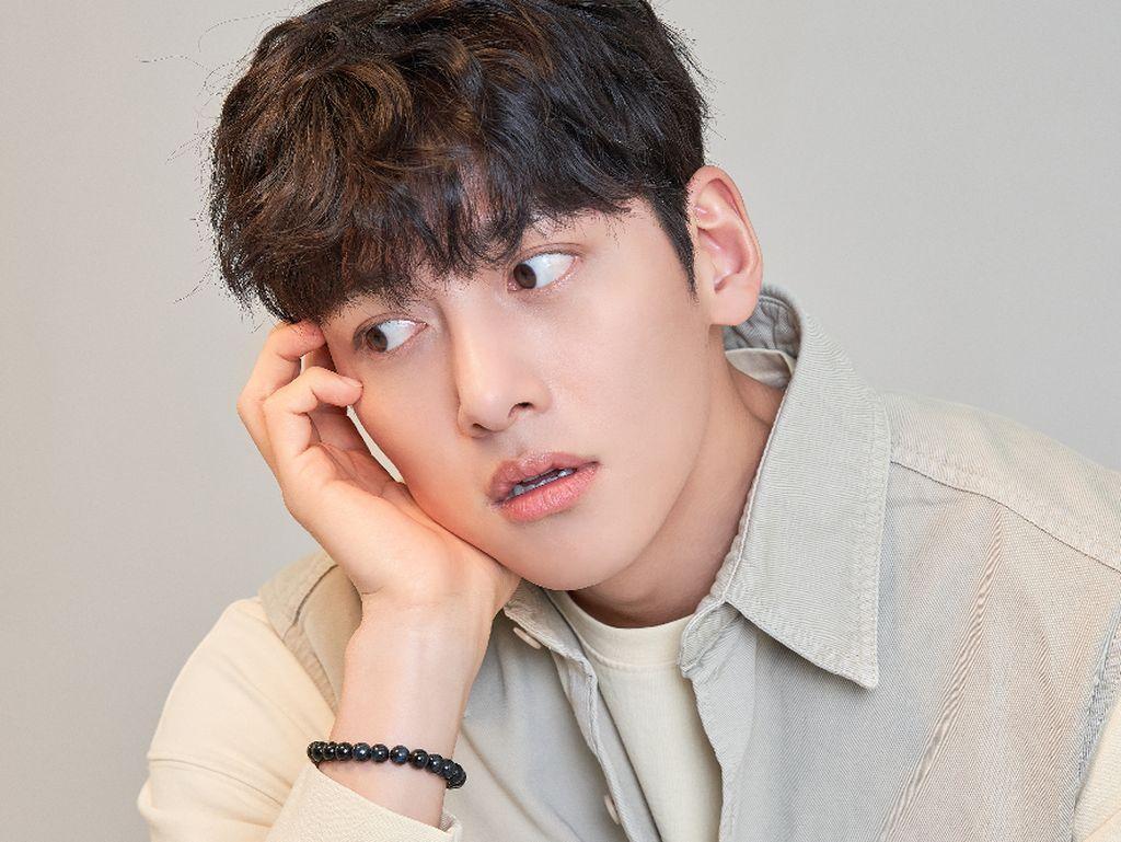 Ngobrol Bareng Ji Chang Wook soal Toserba hingga Label Aktor Veteran