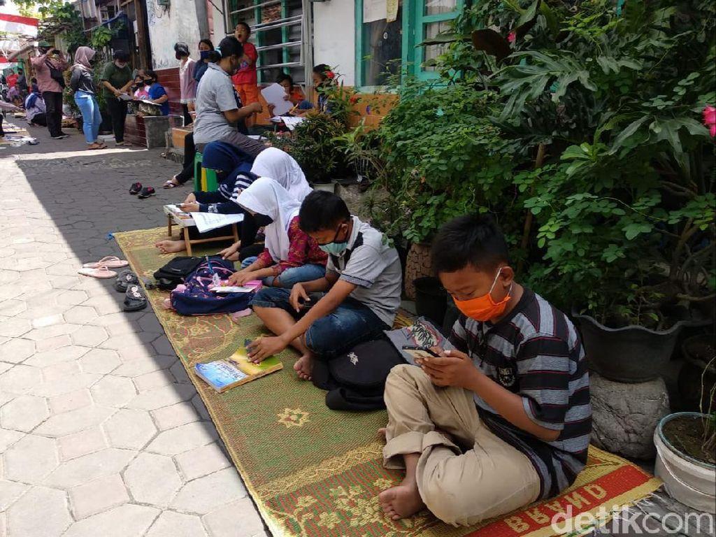 Bantu Siswa Belajar Online, Kampung di Yogya Pasang WiFi