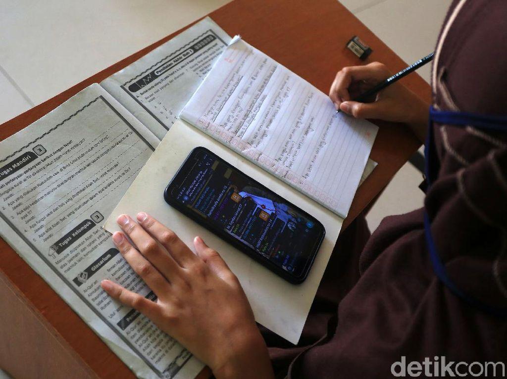 Hore! Ada Sekolah Virtual Gratis untuk Siswa Miskin di Jateng