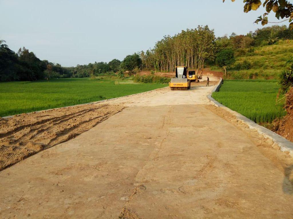 TNI Buka Akses Jalan Penghubung 2 Desa di Cilegon dari Hibah Tanah Warga