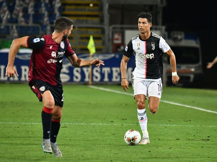 CAGLIARI, ITALY - JULY 29:  Ronaldo Cristiano of Juventus in action  during the Serie A match between Cagliari Calcio and  Juventus at Sardegna Arena on July 29, 2020 in Cagliari, Italy.  (Photo by Enrico Locci/Getty Images)