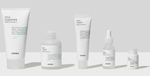 Brand COSRX ini terkenal dengan beragam produk skincare vegan berkualitasnya.