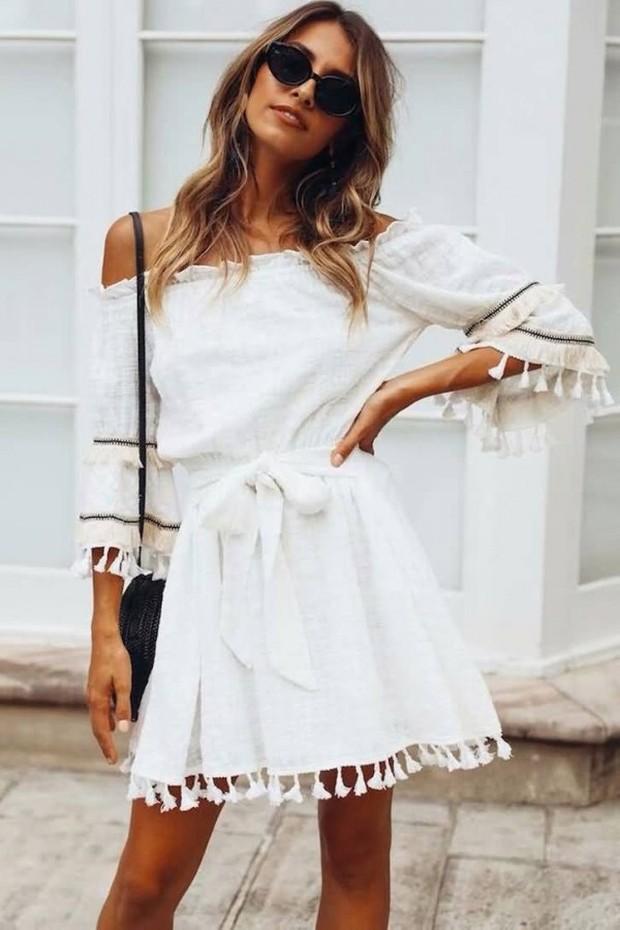 Dress warna putih/maykool.com